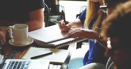 Kaip pasirinkti profesinį kelią? Tiesos ir mitai apie darbo rinką